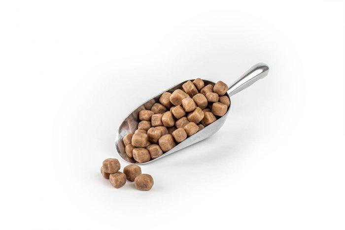 3002 Natural Caramel Fudge Pieces in scoop